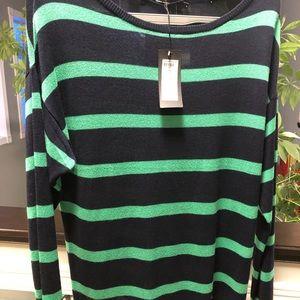 Light weight sweater